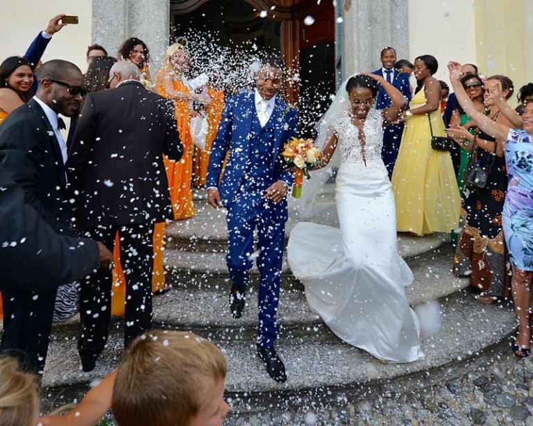 destination wedding confetti shot