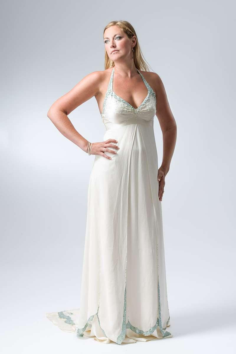 photoshoot sweetheart neckline straight skirt wedding dress